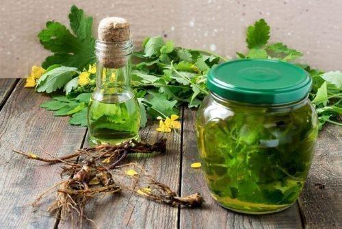 Чистотел с растительным маслом