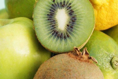 Зеленые фрукты