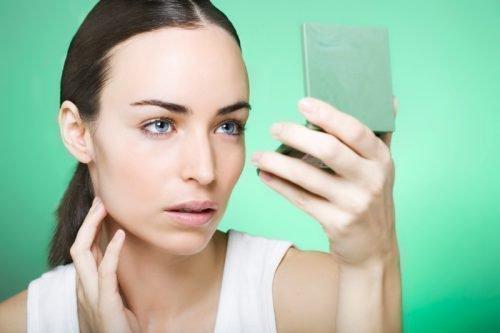 Фурункул на лице: причины появления, лечение в домашних условиях
