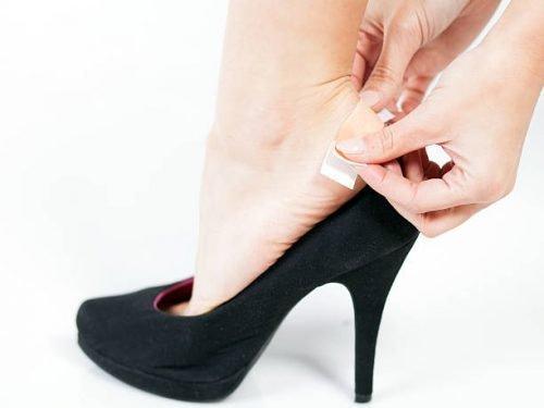 Туфли и пластырь