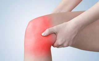 Причины, симптомы и способы лечения гигромы колена