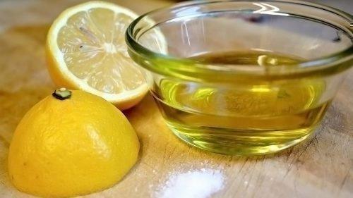Лимон и растительное масло