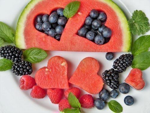 Сырые фрукты