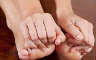 Причины и методы лечения зуда между пальцев ног